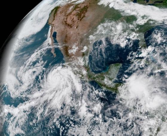 Se intensifica huracán
