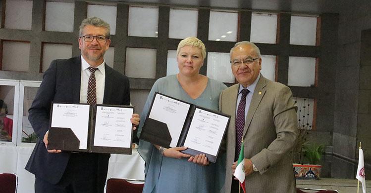 Afianza IPN cooperación académica con universidades canadienses