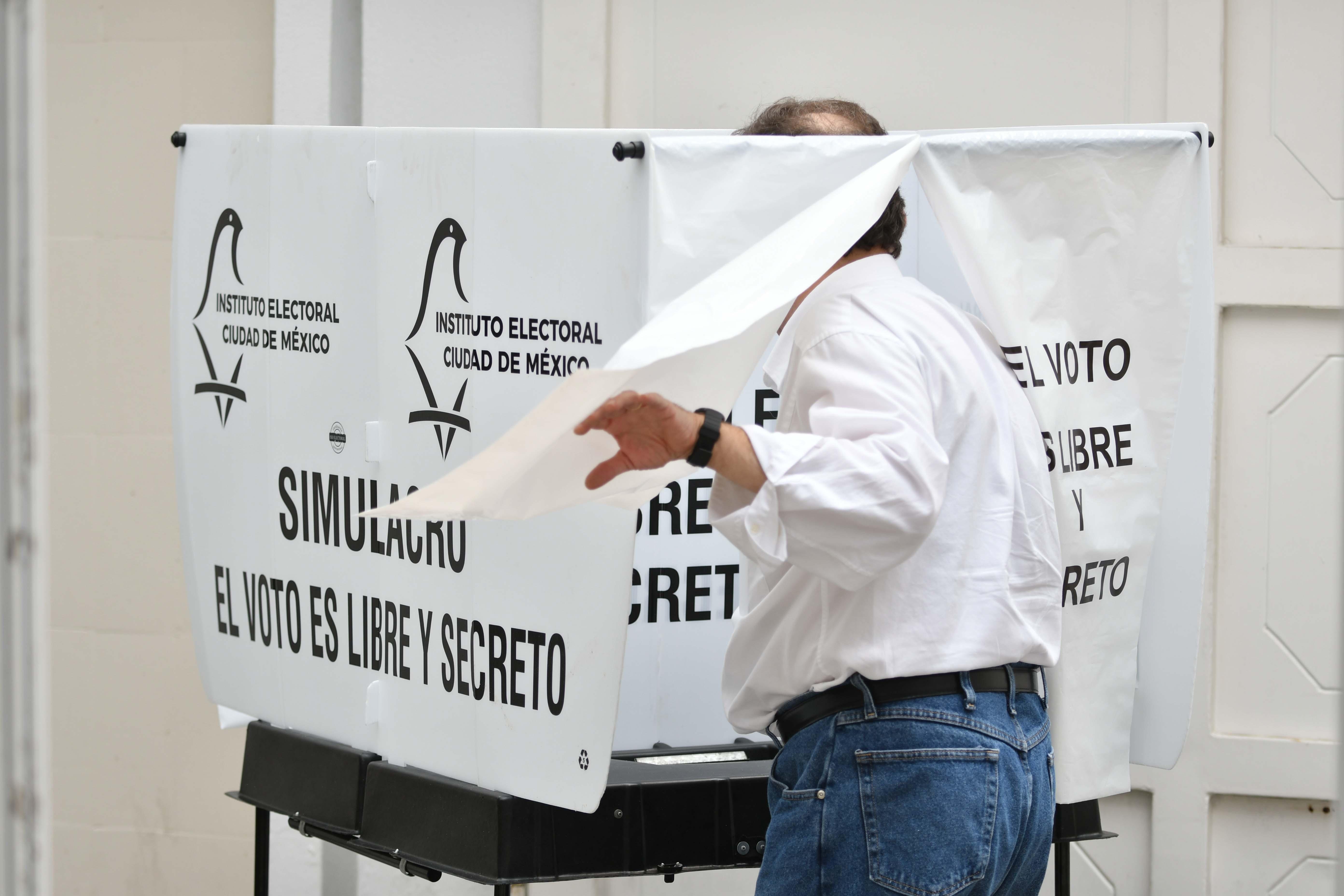 Explican Consejeros Electorales del IECM el ABC para votar