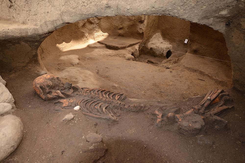 Descubren fosas prehispánicas de más de 2,500 años, al sur de la CDMX