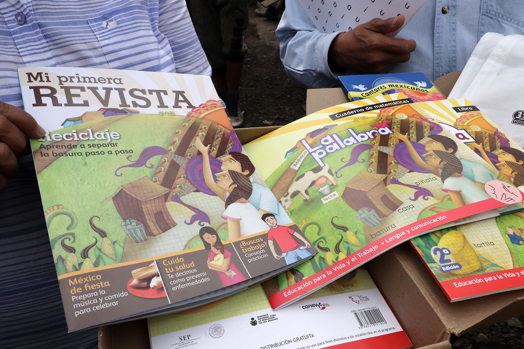 COMBATEN REZAGO EDUCATIVO EN CEDA