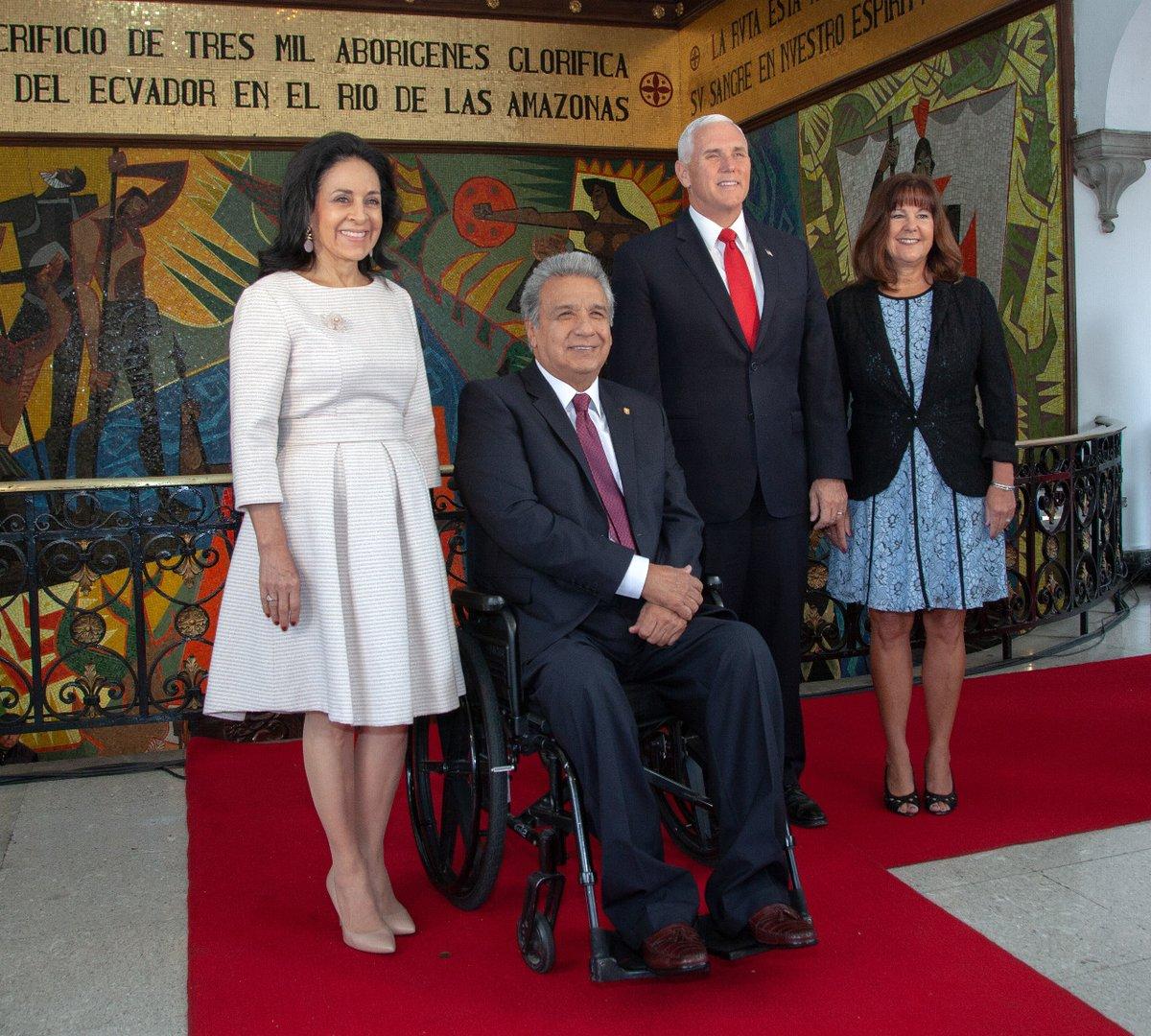 Presidente Moreno recibió a Mike Pence en el Palacio de Gobierno