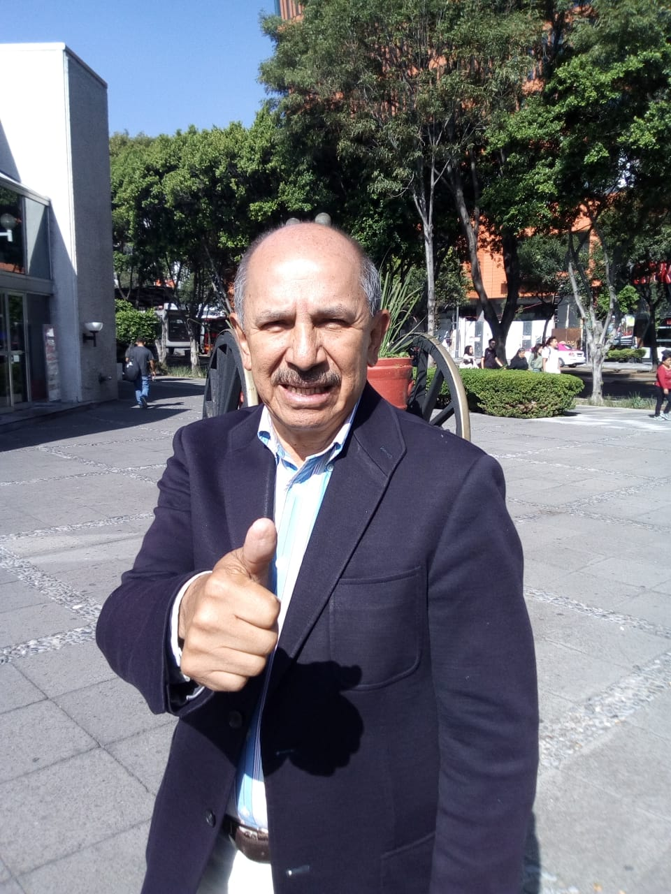 Recibe Armando Quintero recibe su constancia de mayoría relativa