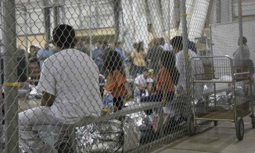 Entrega EU lista con nombres de niños migrantes