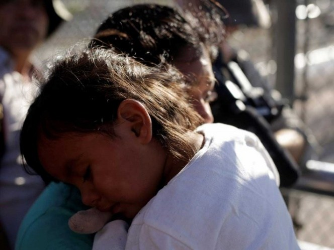 Juez amplia plazo para regresar a los niños con sus familias en EU