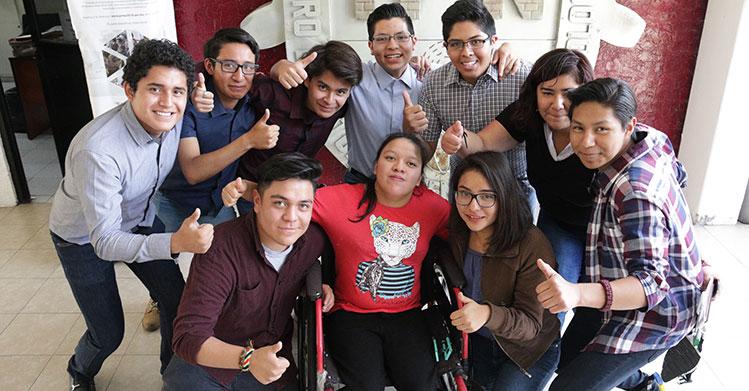 Ganan politécnicos concurso en apoyo de personas con discapacidad