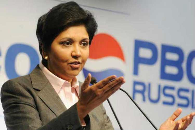 Renuncia CEO de Pepsi, Indra Nooyi