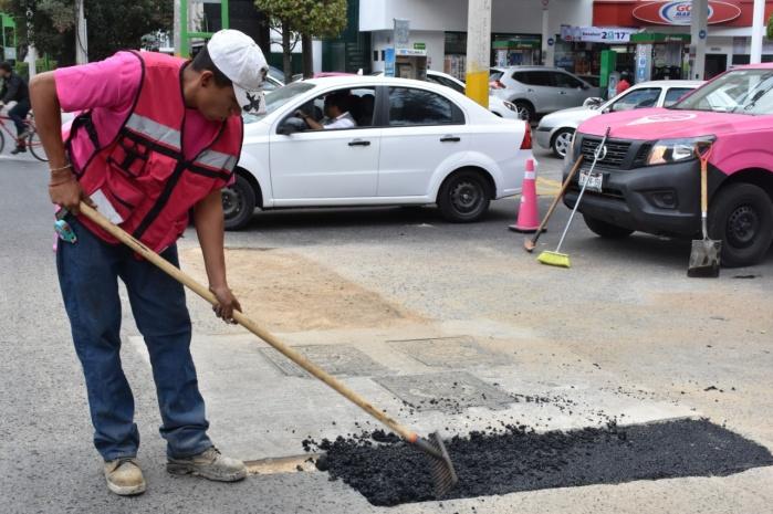 Repara AGU 19 mil 527 baches en temporada de lluvias