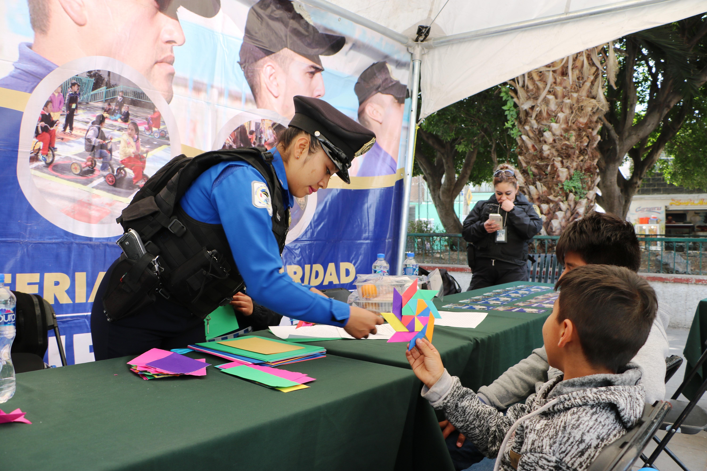 PROMUEVEN ACCIONES PREVENTIVAS A TRAVÉS  DE LA FERIA DE SEGURIDAD EN XOCHIMILCO