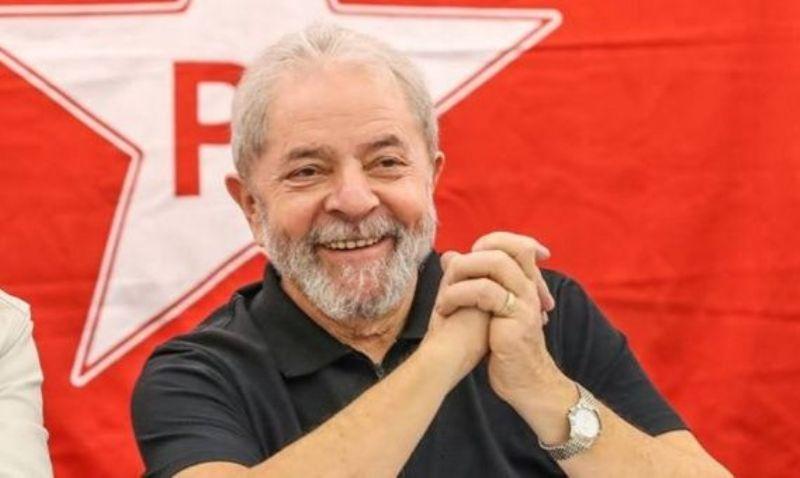 PT registra a Lula como candidato presidencial