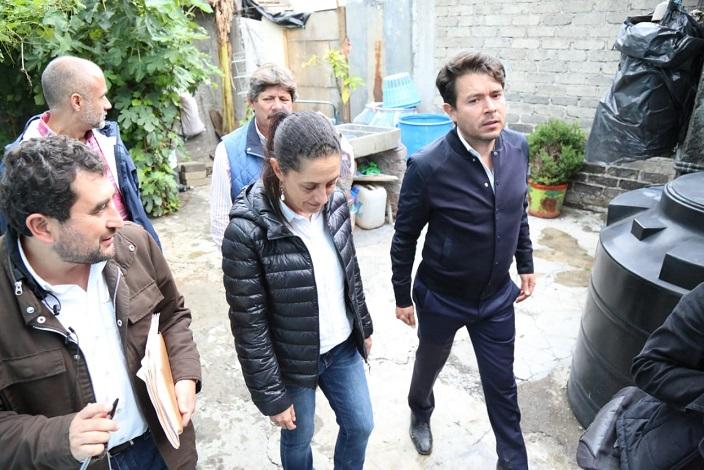 RECORREN CLAUDIA SHEINBAUM Y JEFE DELEGACIONAL, ZONAS AFECTADAS POR EL SISMO EN TLÁHUAC