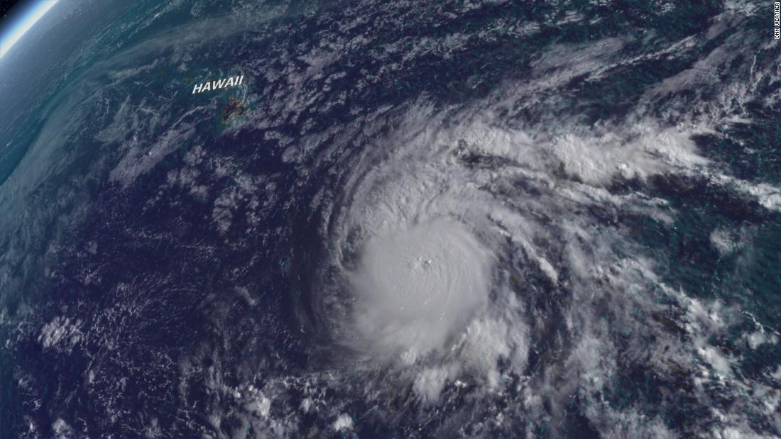 LANE GOLPEARÁ HAWAI