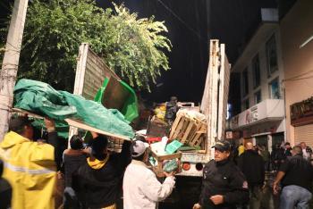 LIBERAN DE COMERCIANTES INFORMALES CALLES DEL CENTRO DE XOCHIMILCO