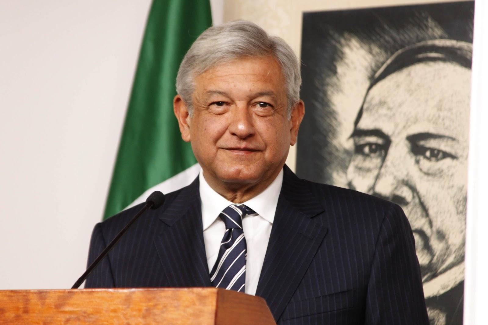 AMLO aún no revisa 6o Informe de Peña Nieto