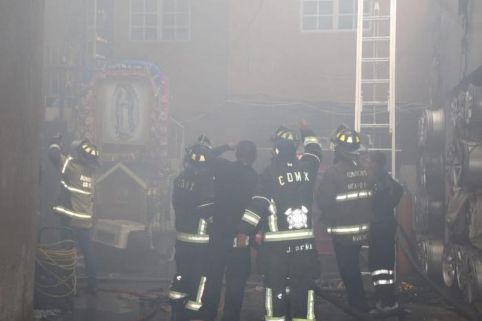 Apoyo de SSP-CDMX permitió controlar incendio en colonia Doctores