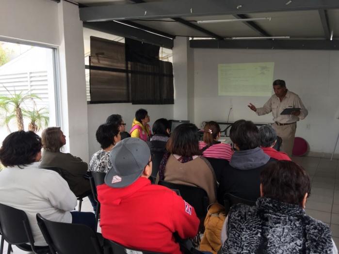 Imparten talleres de agricultura para el fomento de huertos urbanos en la CDMX