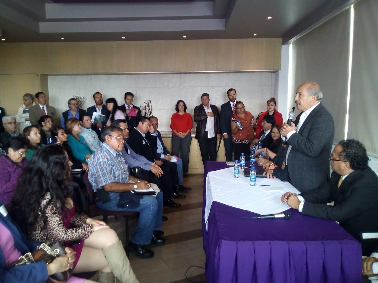 Armando Quintero invitó a los empresarios a invertir en Iztacalco