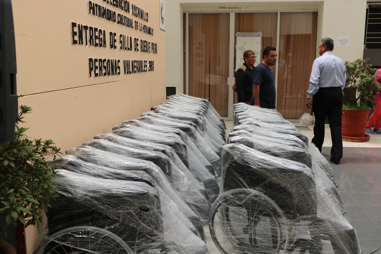 ENTREGAN IMPLEMENTOS ORTOPÉDICOS PARA PERSONAS CON  DISCAPACIDAD DE BAJO RECURSOS EN XOCHIMILCO