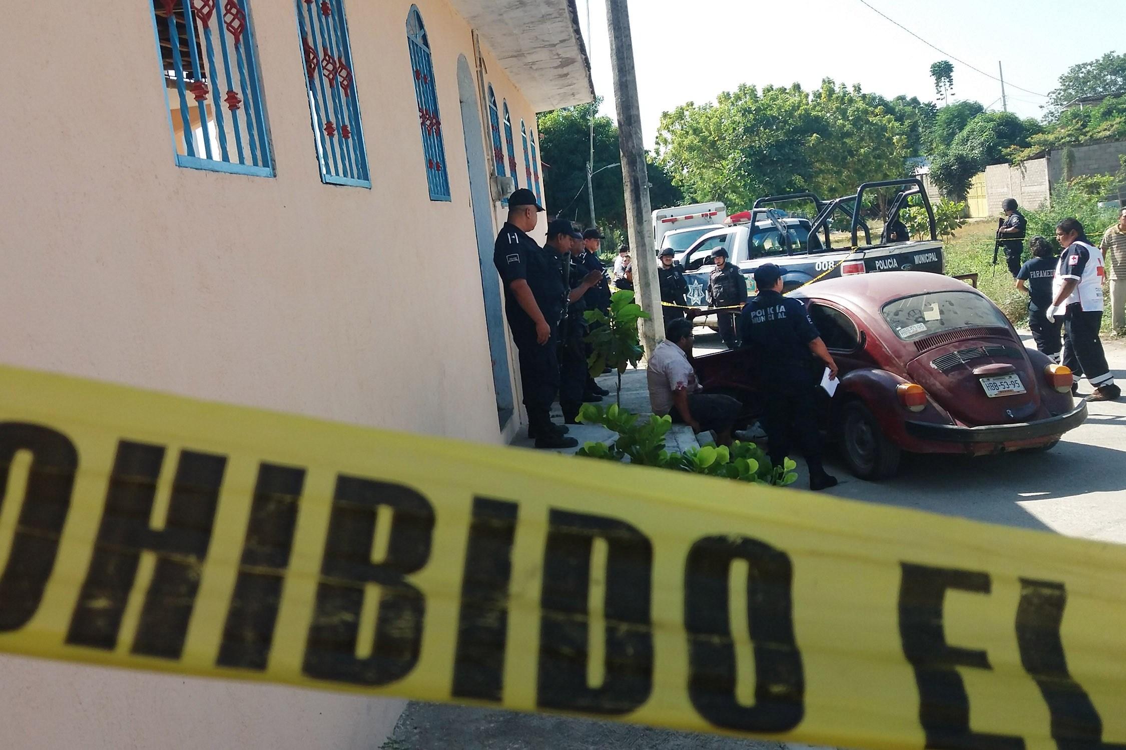 Asesinan a familiares de diputado panista