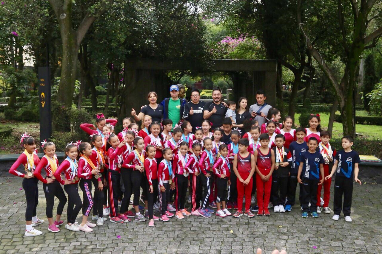 ENTREGA COYOACÁN RECONOCIMIENTOS A GIMNASTAS INFANTILES