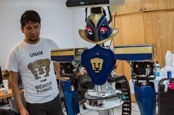 Robot de la UNAM, presente en conferencia internacional sobre sistemas inteligentes en España