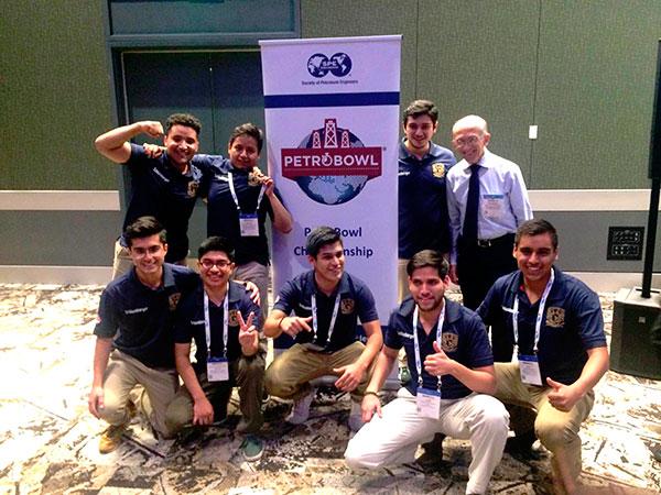 Alumnos de la UNAM tricampeones en concurso internacional de ingeniería petrolera
