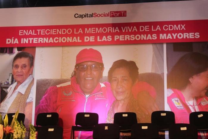 Reconocen memoria viva de CDMX en día internacional de las personas mayores