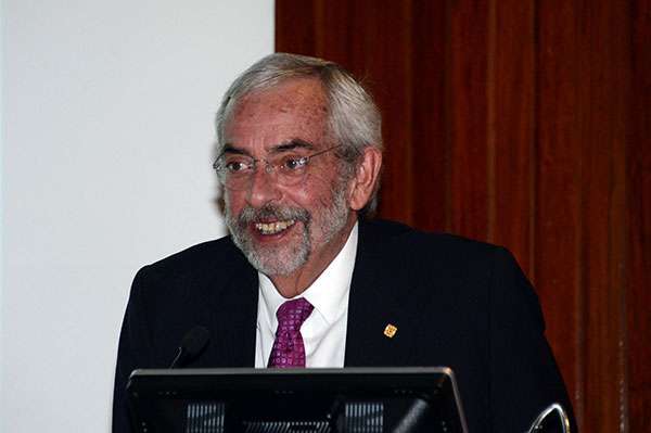 El rector Graue, nuevo patrono del Instituto Cervantes de España