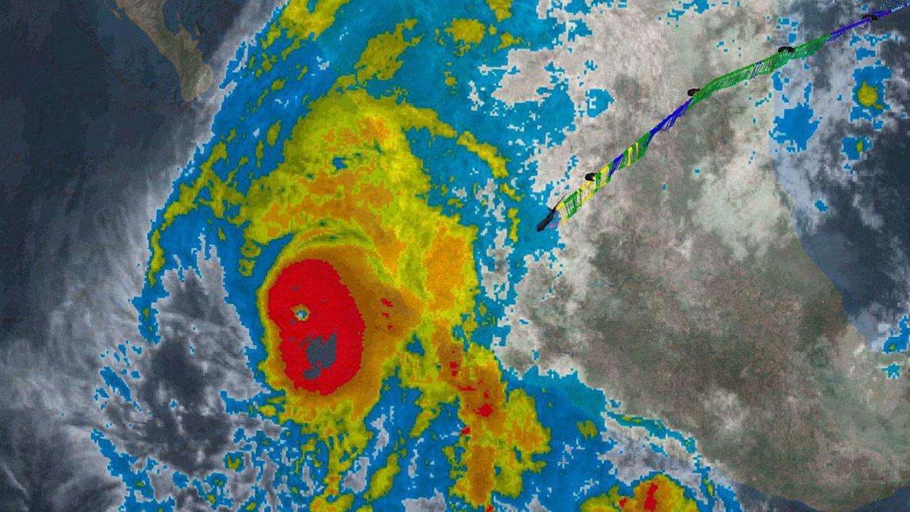 Embajada de EEUU lanza alerta por huracán Willa