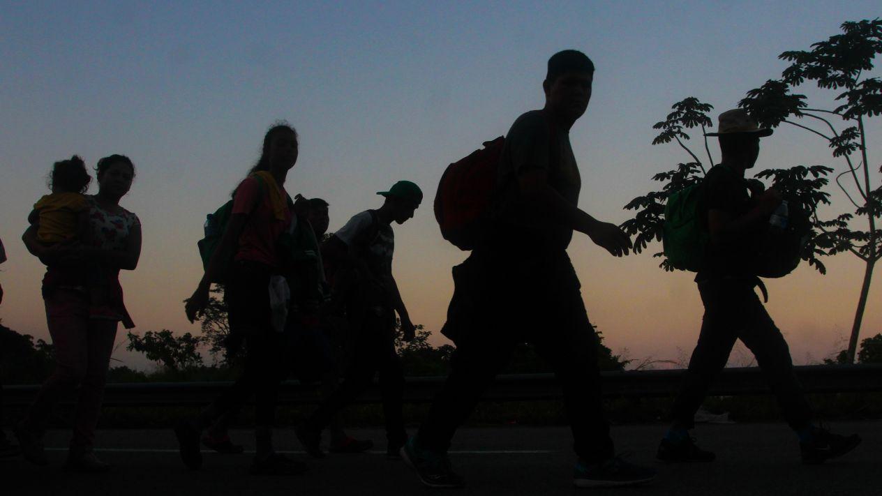 Autorizan despliegue de milicia en EEUU para detener Caravana Migrante