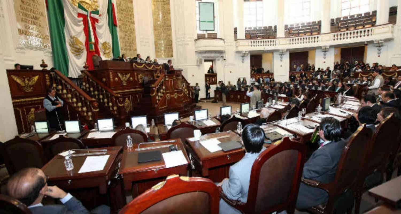 Aprueba Congreso local reducir comisionados al Infodf
