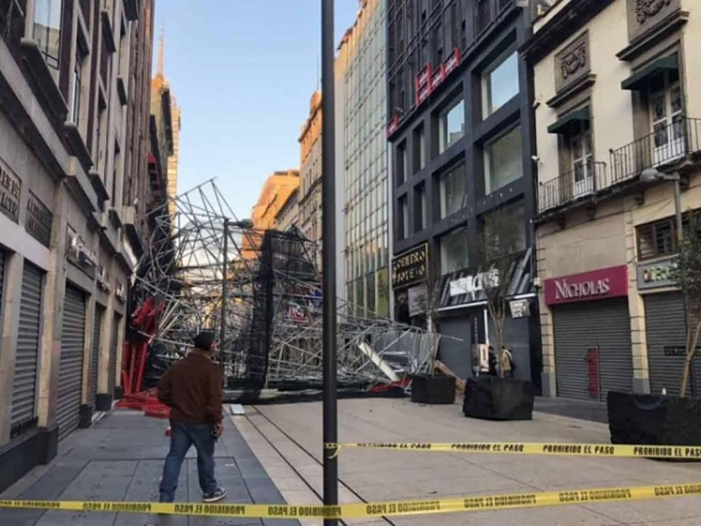Caída de andamio deja 5 lesionados en Centro Histórico