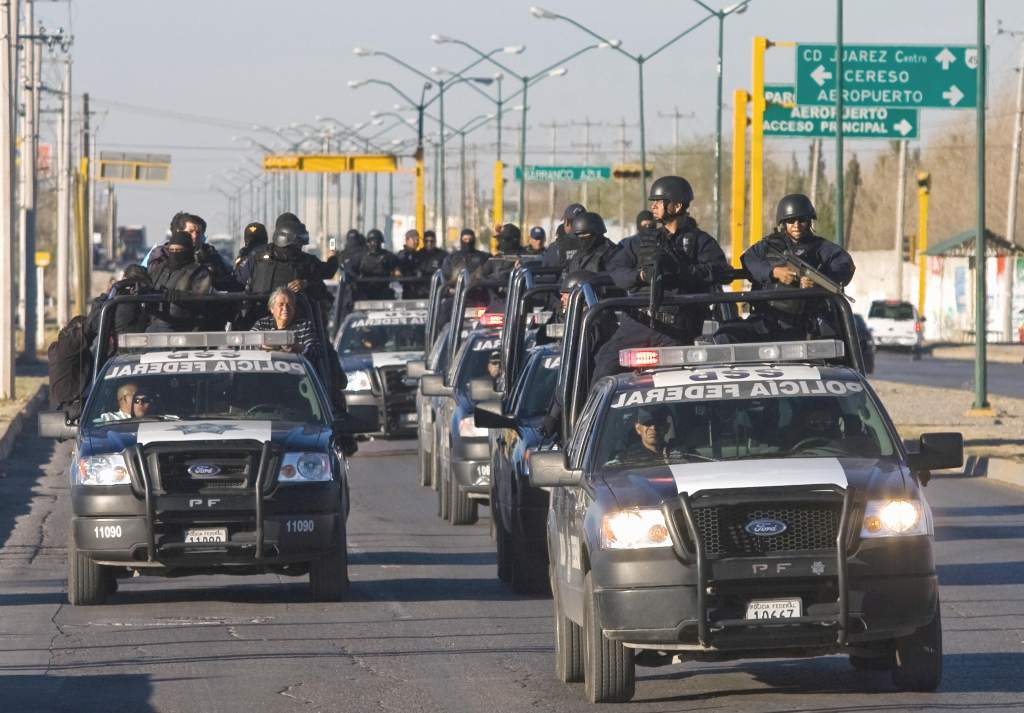 México refuerza frontera con Estados Unidos; llegan 300 policías federales a Tijuana