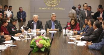 El Secretario de Agricultura explica a senadores presupuesto para el campo