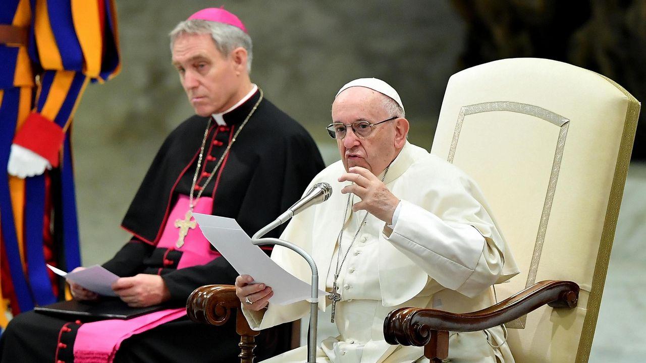 Califican con síndrome de filantropía al Papa