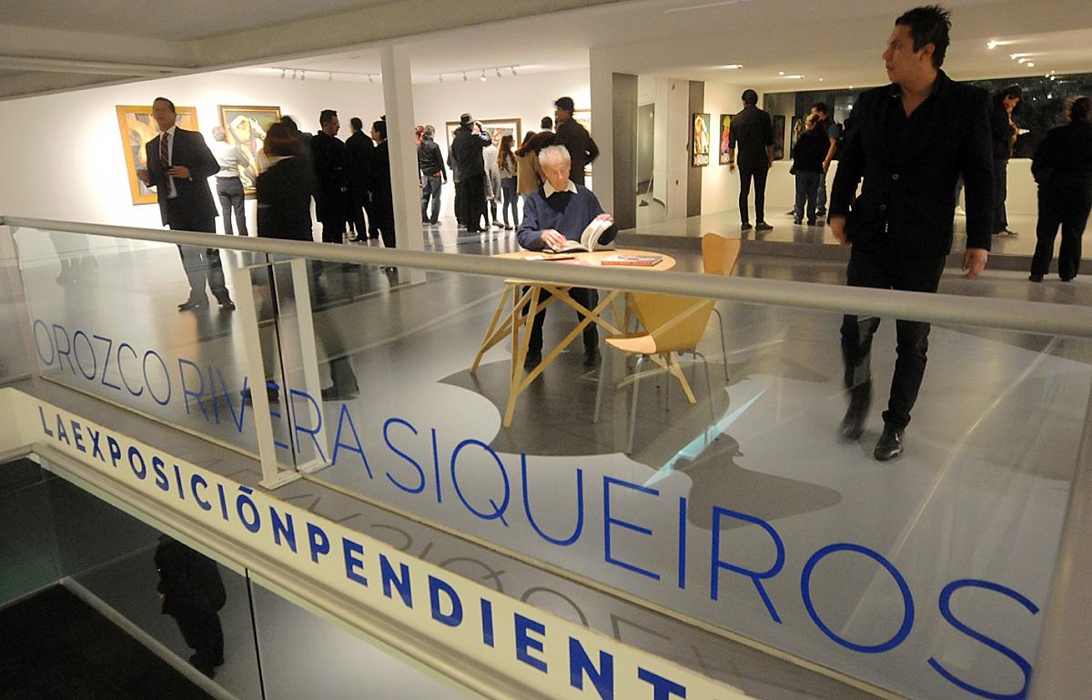 El periplo de una exposición pendiente pasa por las salas del Museo Carrillo Gil