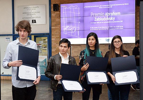 Entregan en la UNAM Premio Abraham Zabludovsky a la mejor tesis de composición arquitectónica