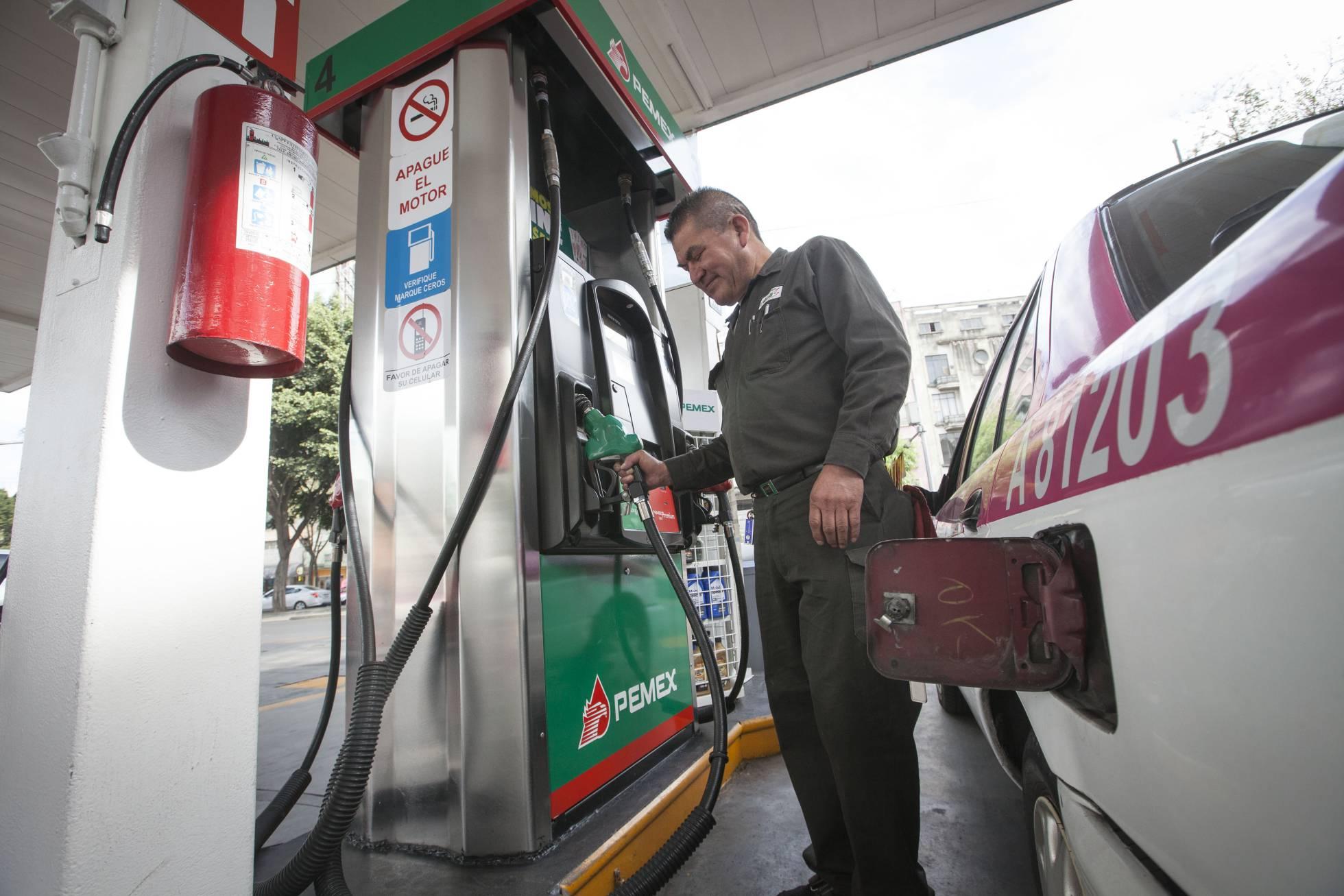 Evade Congreso CDMX discutir desabasto de gasolina