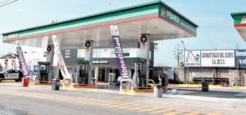 Anuncia Sheinbaum que el 10% de gasolineras están cerradas por desabasto de combustible