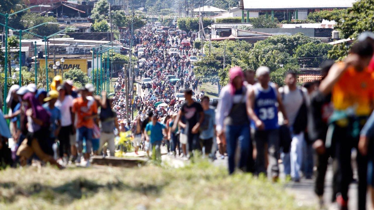 Llega otra caravana de migrantes a frontera de México