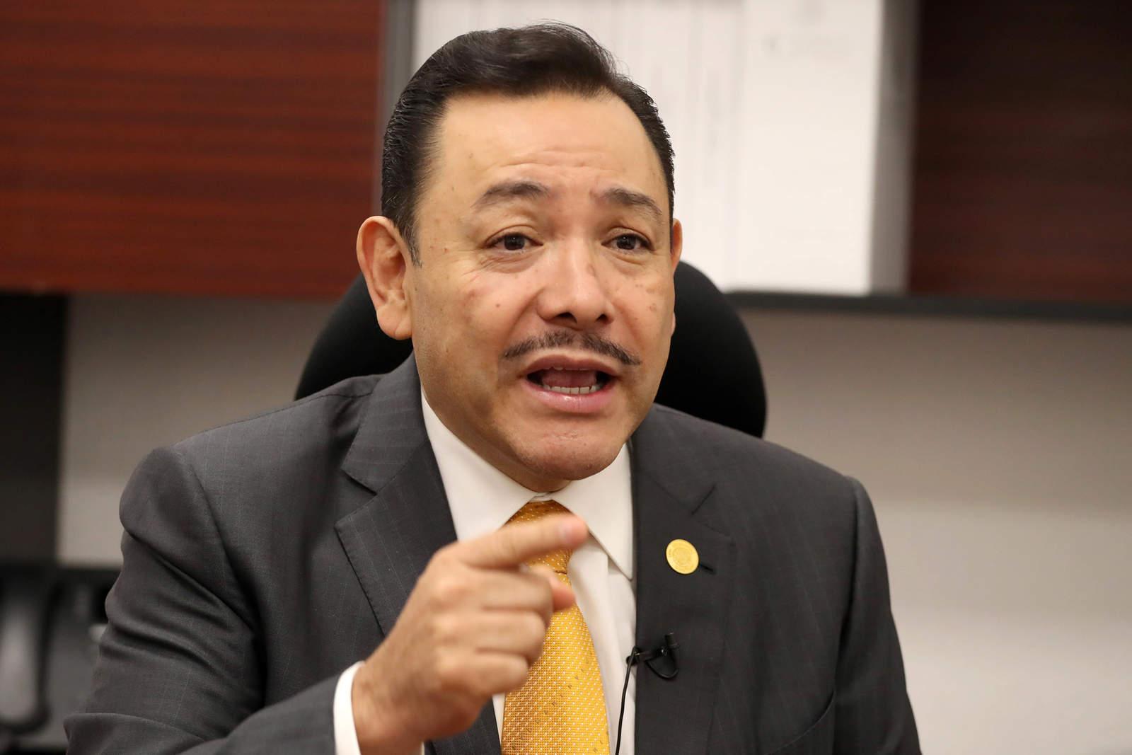 Amenazan a diputados con expulsión por votar a favor de iniciativa de AMLO