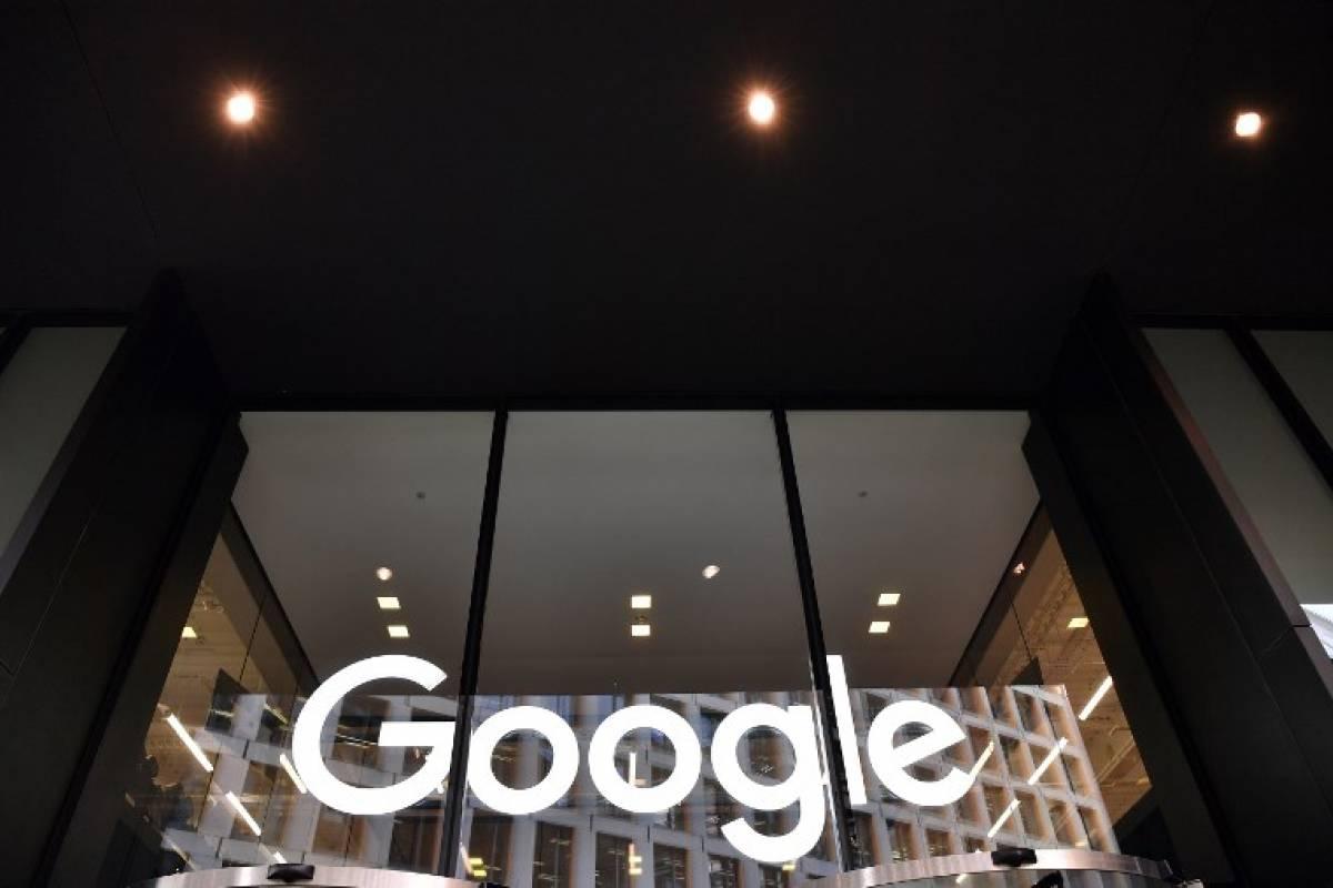 Francia impone multa millonaria a Google por uso de datos personales