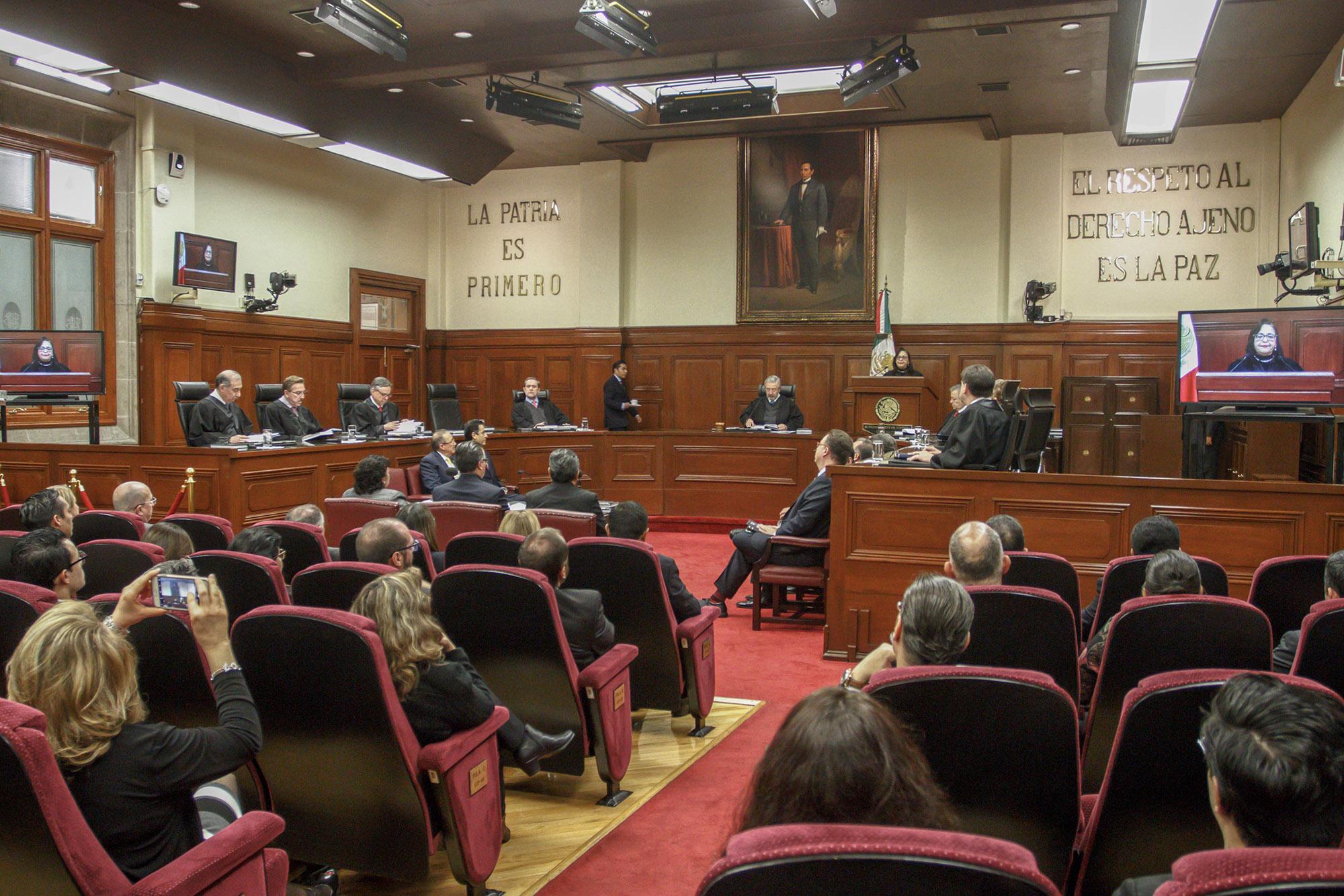 Impugna Gobierno federal suspensión de Ley de remuneraciones