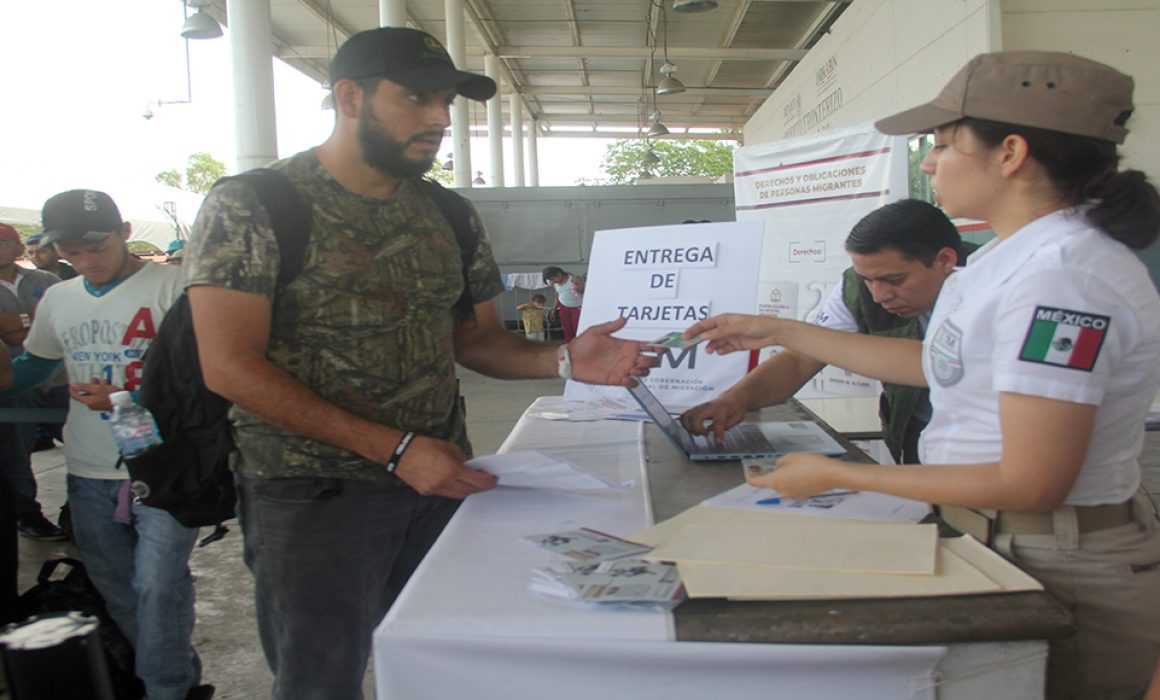 Migrantes tramitan visa humanitaria en Chiapas
