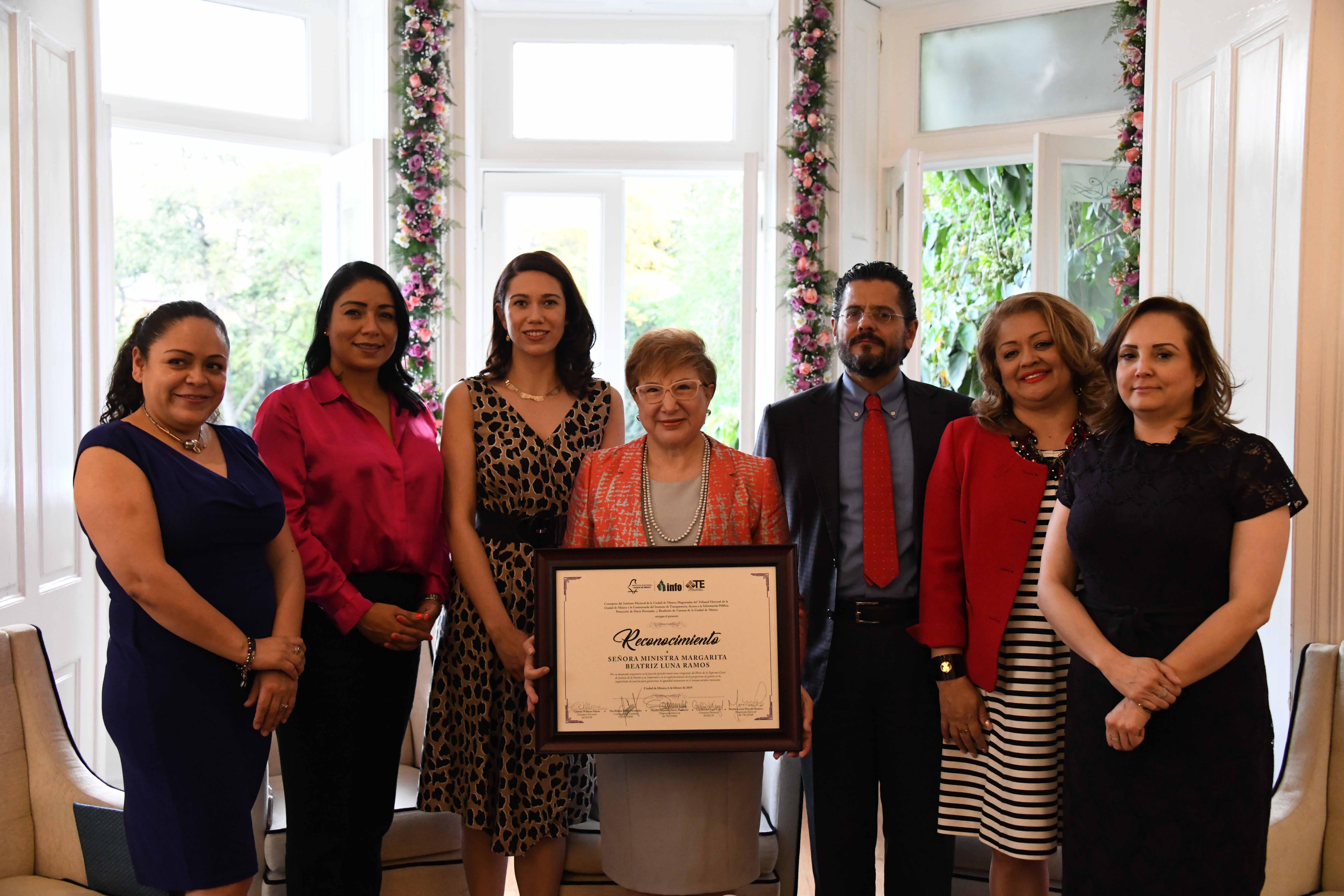 Rinden homenaje a la Ministra de la SCJN, Margarita Beatriz Luna Ramos, por su trayectoria profesional