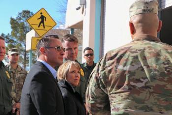 Nuevo México desobedece a Trump y retira tropas