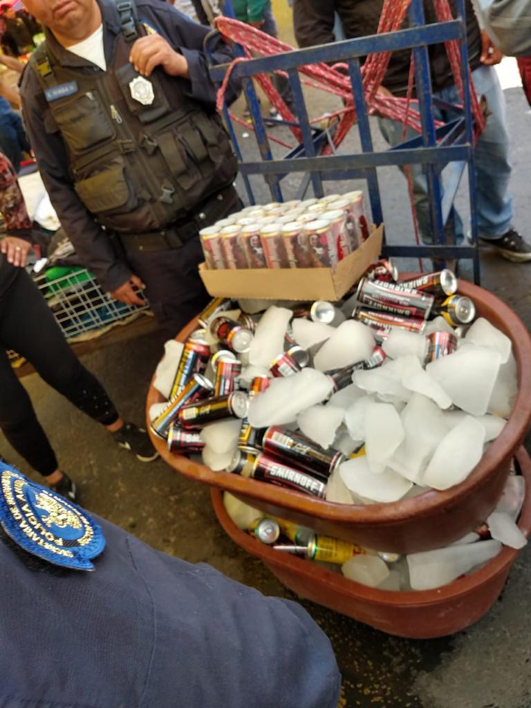 Retiró Gustavo A. Madero en cuatro meses más de 3 mil litros de alcohol de comercio en tianguis