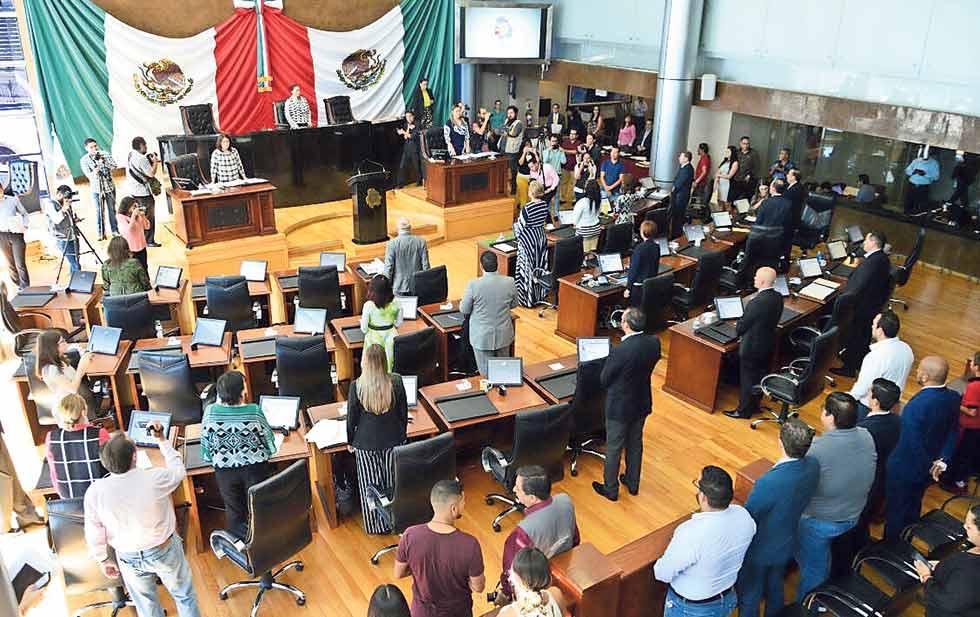 En Congreso local, propone Morena sancionar indisciplinas de diputados