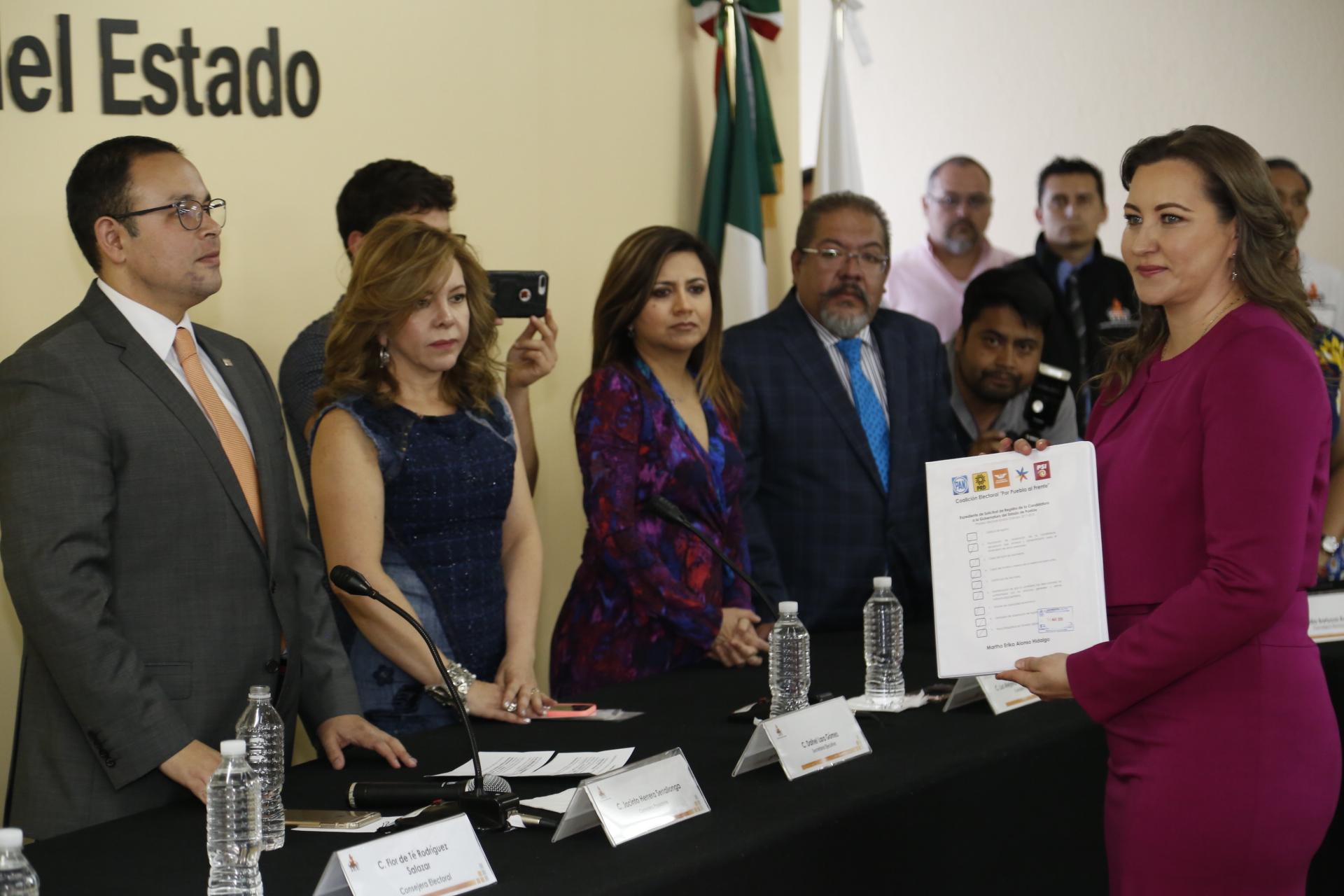En Puebla, las boletas para elección de gobernador llevarán las fotos de los candidatos