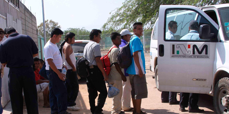 Rescatan a 51 inmigrantes en Nuevo león